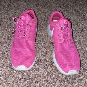 Nike roshe. Size 8